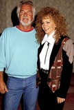 Kenny Rogers Photo - Kenny Rogers and Reba Mcentire Photo Byphil RoachipolGlobe Photos Inc