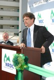 Alan Horn Photo - Natural Resources Defense Council Opens Its New Office Building the Robert Redford Green Building Santa Monica CA 11132003 Photo by Clinton H Wallace Ipol  Globe Photos Inc 2003 Alan Horn