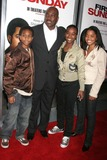 Clifton Powell Photo - First Sunday World Premiere the Cinerama Dome Hollywood CA 011008 Clifton Powell and Family Photo Clinton H Wallace-photomundo-Globe Photos Inc