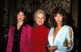 Jamie Lee Photo - Photo Phil Roach Ipol Globe Photos Inc Janet Leigh with Daughters Kelly and Jamie Lee Curtis
