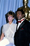 Carl Weathers Photo - Jamie Lee Curtis and Carl Weathers Academy Awards  Oscars Photo by Laszlo VeresGlobe Photos Inc