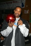 Latrell Sprewell Photo - Knicks Bowl 4 - the New York Knicks Annual Fundraiser to Benefit the Red Holzman Knicks Cheering For Kids Foundation at Chelsea Piers Lanes in New York City 03123003 Photo by John BarrettGlobe Photos Inc 2003 Latrell Sprewell